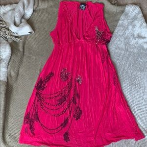 Pleated pink beach dress with jewel details